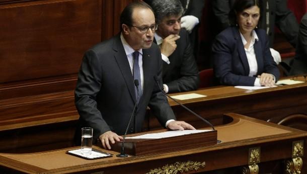 Hollande: è guerra, ma non di civiltà