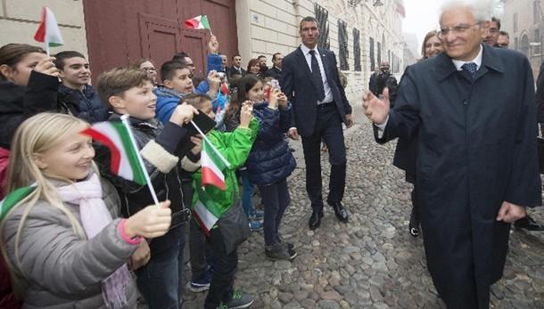 Parigi: Mattarella, da Italia fermezza