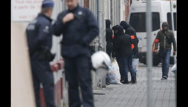 Polizia Belgio libera fratello Abdeslam