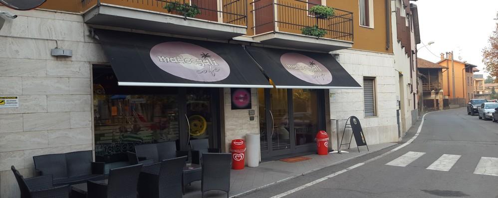 Rapina al bar: tutto in 30 secondi Paura per una barista di Caravaggio