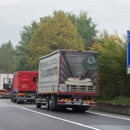 L'incubo della Montenegrone Un pendolare: in galleria continue code