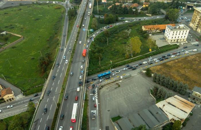 L'uscita per Bergamo e l'autostrada sull'asse interurbano