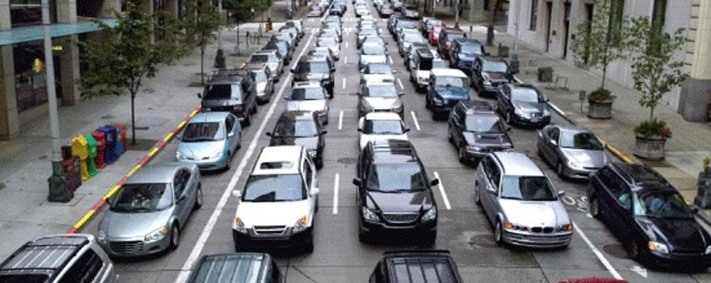 Auto, bici, bus e tram Guardate come cambia la strada