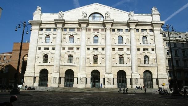 Borsa Milano in calo, Ftse Mib -0,45%