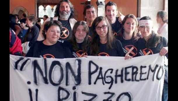 Mafia:Imprenditori reagiscono,22 arresti