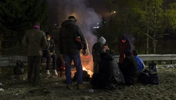 Migranti:Austria introduce asilo a tempo
