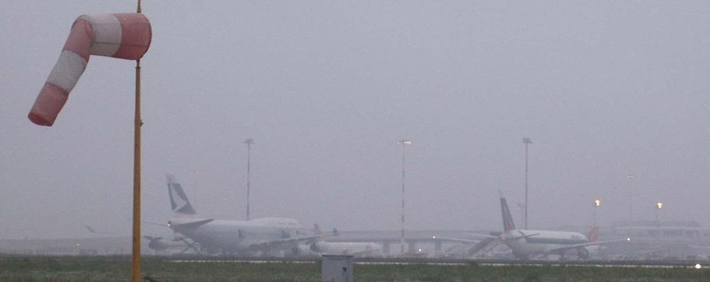 Nebbia sugli aeroporti inglesi Occhio ai voli da e per Orio