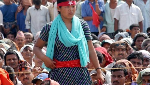 Nepal:riaperto confine con India