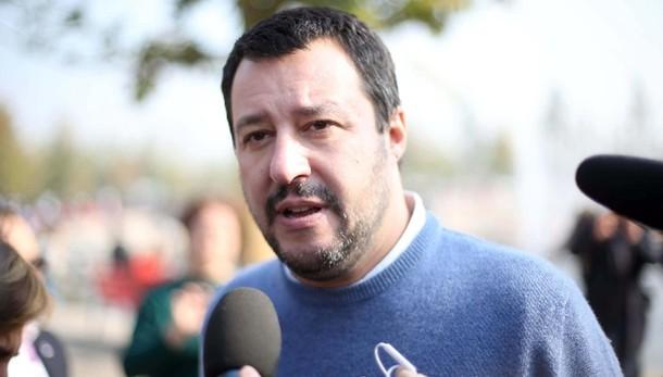Salvini, denuncio chi dubita mia onestà
