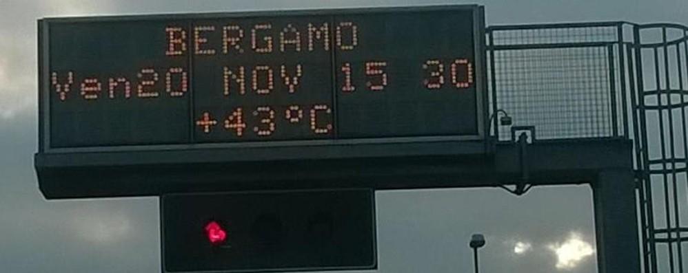 Arriva il grande freddo. O forse no A Bergamo il tabellone segna 43 gradi