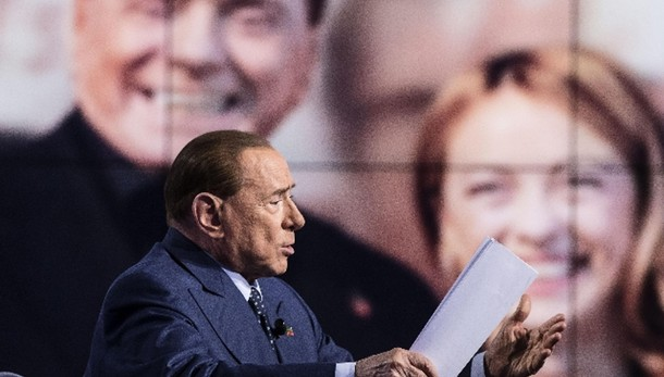 Berlusconi, M5s banda di balordi