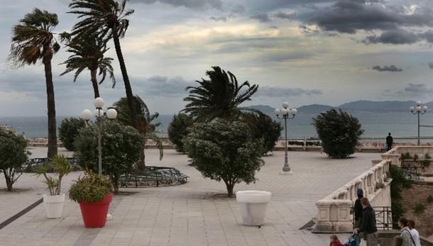 Allerta venti forti, neve in E-Romagna