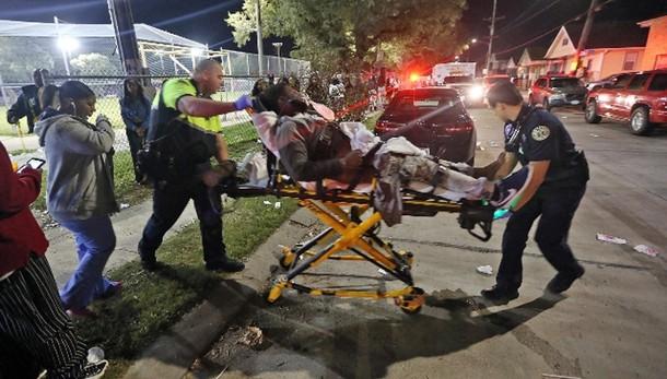 Usa, sparatoria a New Orleans: 16 feriti