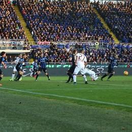 il difensore del Torino Cesare Bovo segna il gol decisivo al 7' st
