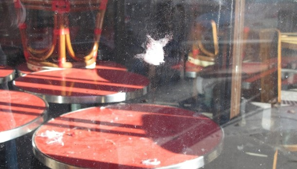 Parigi: cintura esplosiva in cestino