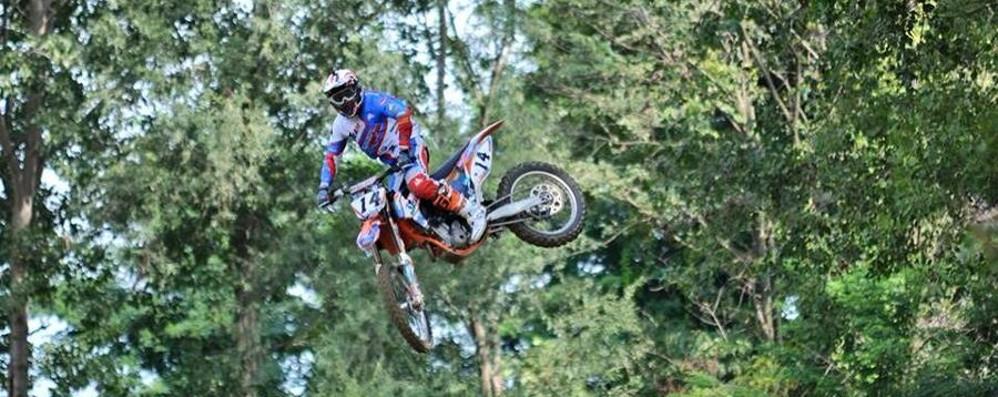 Vola fuori pista in gara di motocross Grave Lumina,  talento di Sovere