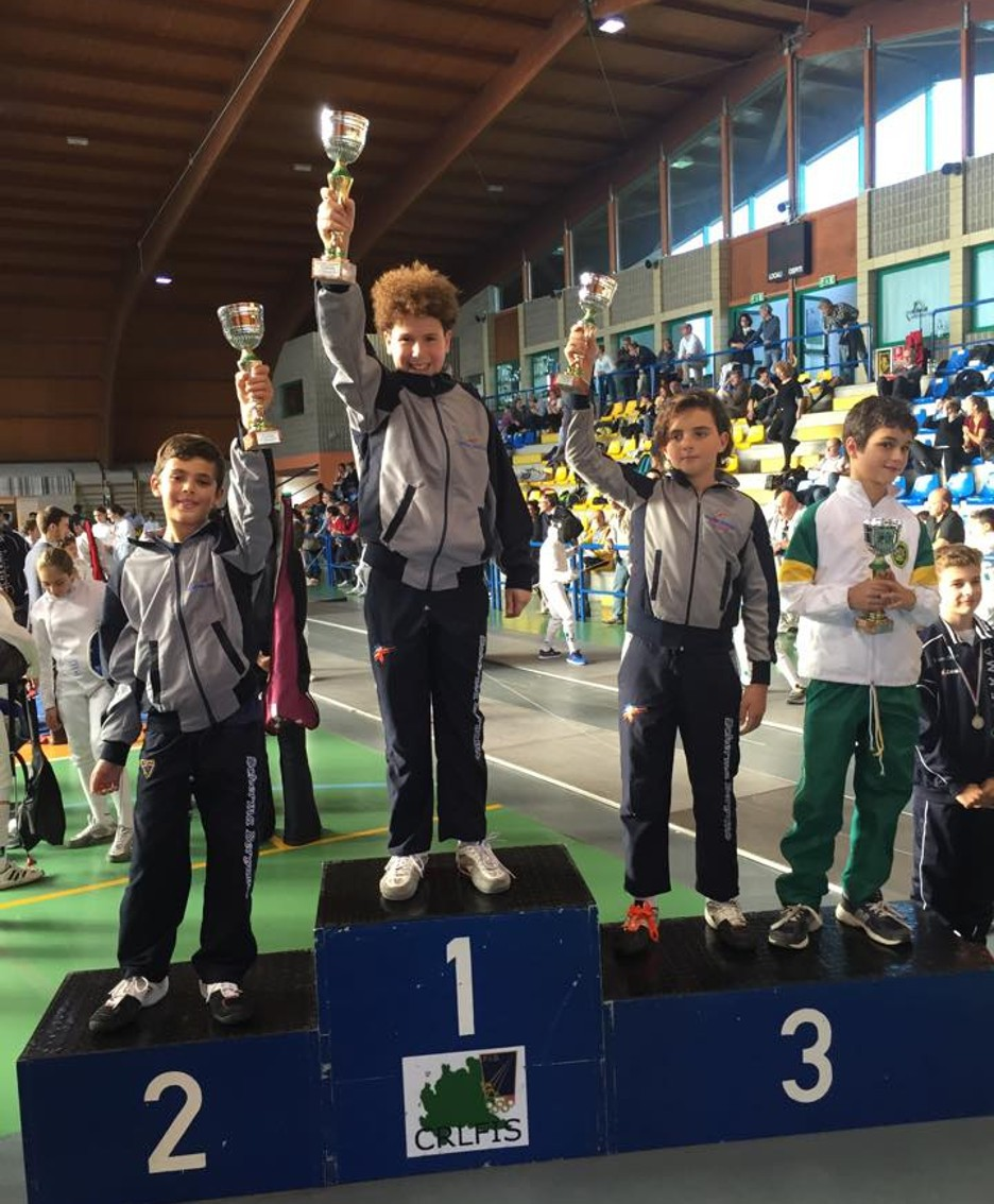 Il podio «Maschietti»: Massimo Mari (1°), Niccolò Gionfriddo (2°) e Marco Locatelli (3°)