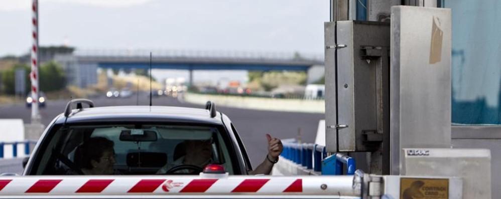 Accodarsi alle auto passando al Telepass Azienda orobica non paga 4464 pedaggi