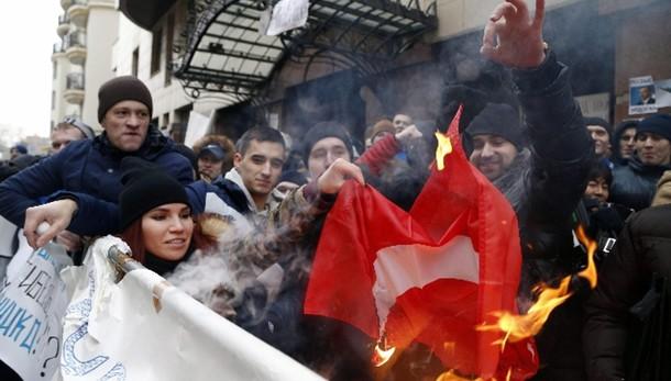 Jet abbattuto: Russia ferma 50 turchi