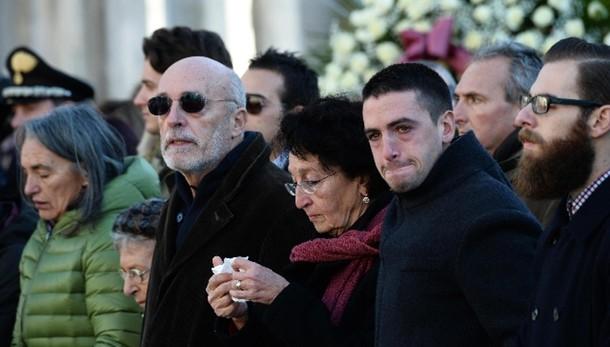 Parigi:famiglia Valeria a commemorazione