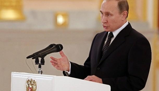 Putin, pronti a cooperare con Parigi