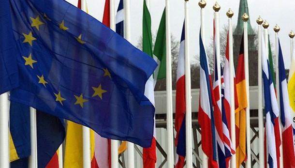 Ue a Italia, nodo debito-competitività