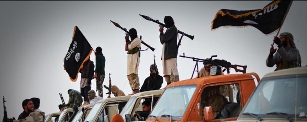Due siriani fermati a Orio al Serio Sui telefoni foto di guerra e dell'Isis