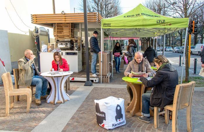 Lo stand de L'Eco café in una delle tante tappe del tour 2015