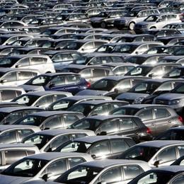 Auto, boom delle vendite diesel Ad ottobre giù le Gpl, crolla il metano
