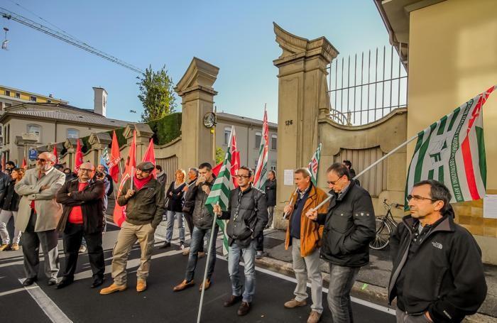 Il presidio dei lavoratori dell'Italcementi venerdì scorso
