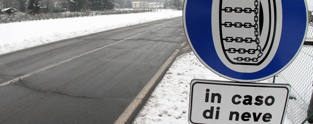 Auto con catene o gomme da neve Obbligo dal 15 novembre: le soluzioni