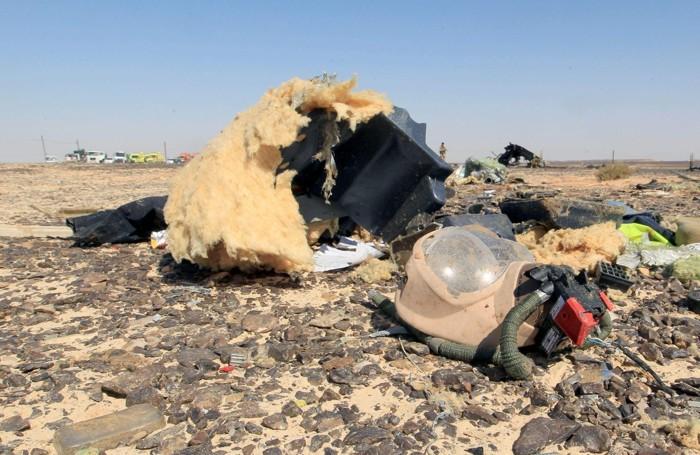 Detriti dell'aereo russo caduto in Egitto