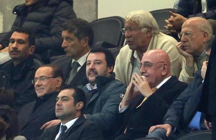Silvio Berlusconi con  Matteo Salvini e  Adriano Galliani a San Siro