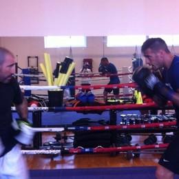 Come allenarsi per il Toro? - foto Denis sul ring insieme a Luca Messi
