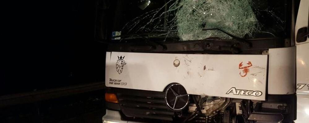 Contro un furgoncino nella notte Muore 27enne badante ucraino