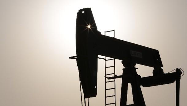 Petrolio:chiude in calo a Ny a 43,87 dlr