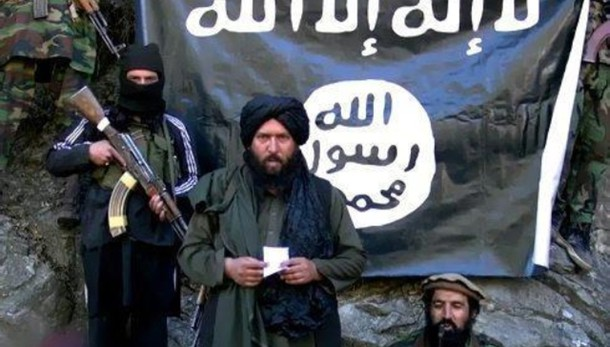 Talebani afghani impiccano membri Isis
