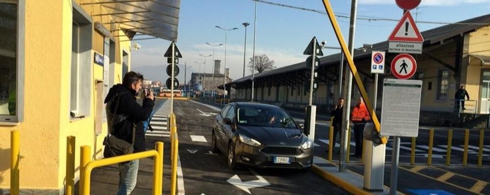 Aperto il nuovo parcheggio della stazione 130 posti auto, gratis i primi 15 minuti - foto