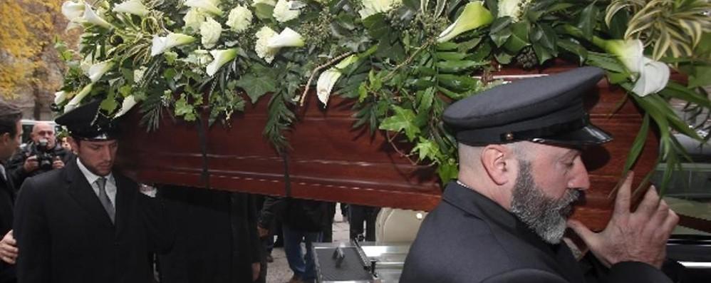 Chiesa gremita per Krizia Pisapia: «Milano la ricorderà»