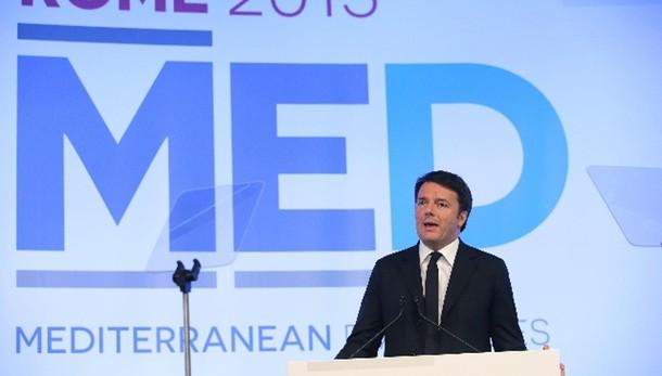 Renzi, Isis vuole più spazio in Libia