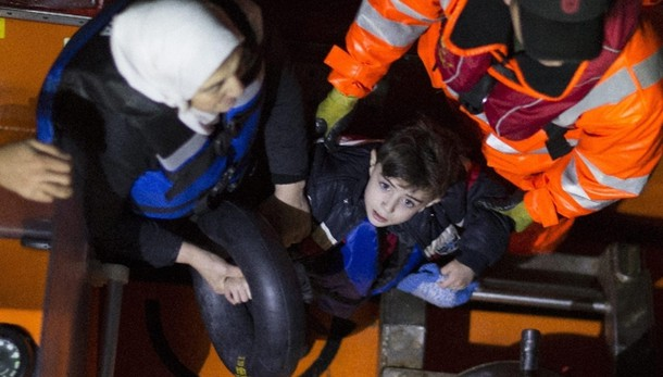 Renzi, Italia salverà ancora i migranti