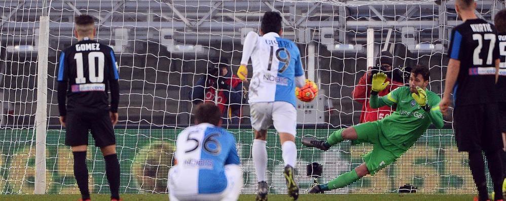 Chievo-Atalanta finisce 1-0: due espulsi  Sportiello para un rigore, ma non basta