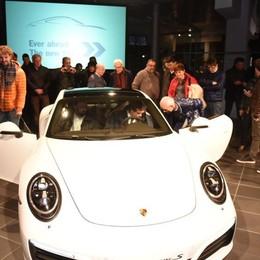 Nuova Porsche 911 Carrera «I tempi cambiano, i sogni restano»