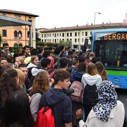 Pullman, salvagente dalla Regione A Bergamo 3 milioni: collasso evitato