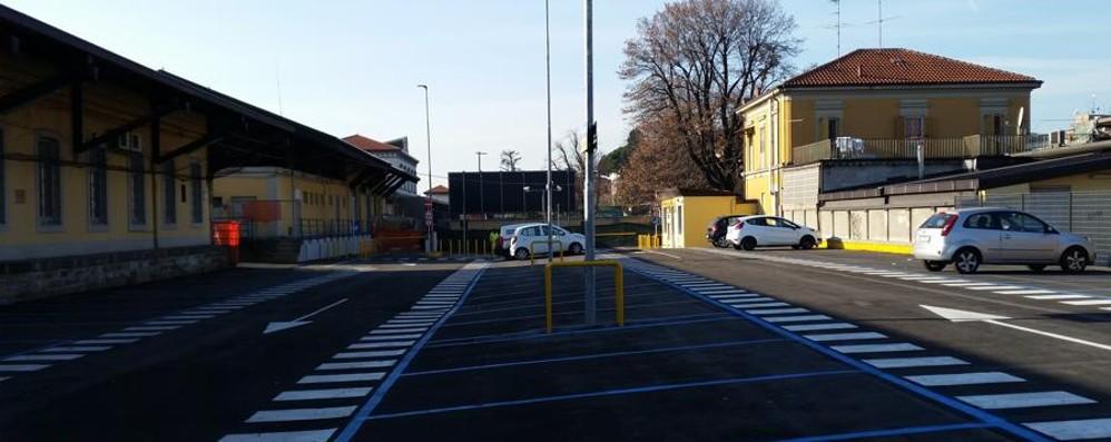 Stazione, bello il nuovo parcheggio Peccato sia (desolatamente) vuoto