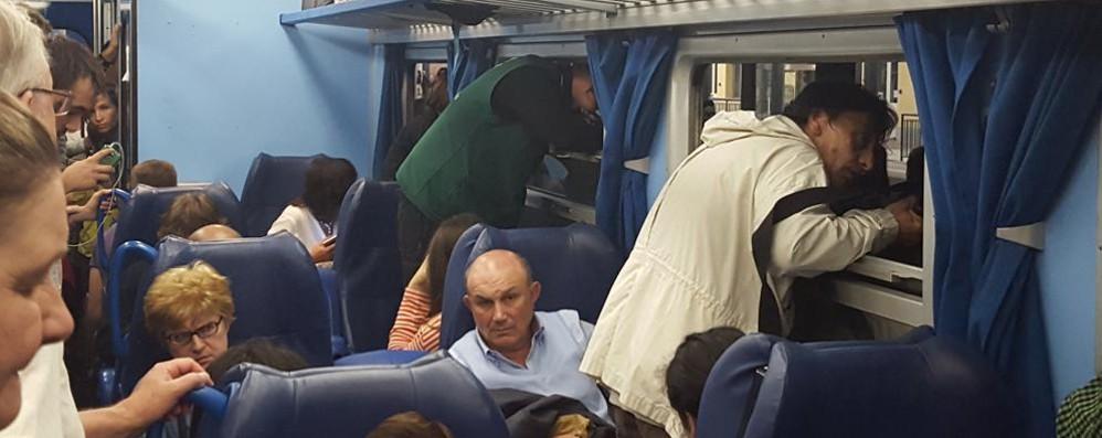 Treni, si riprende dopo lo sciopero Convogli strapieni e qualche ritardo