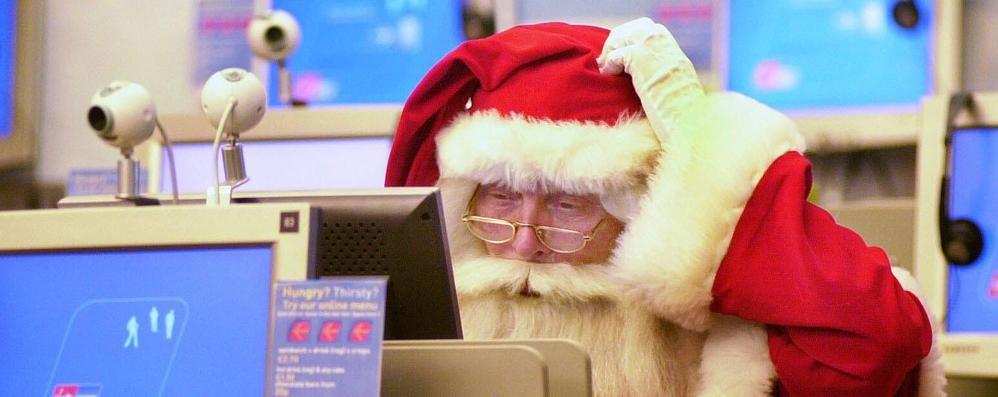 Truffe sotto l'albero di Natale 8 modi per difendersi nella rete