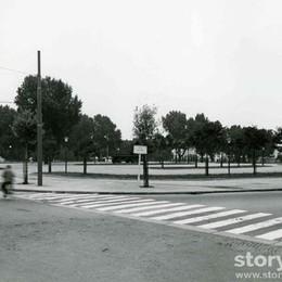 Parcheggi liberi e zero traffico Ecco la Malpensata negli anni '60