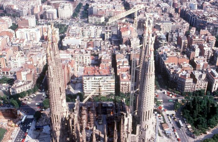 Panorama di Barcellona con la Sagrada Familia