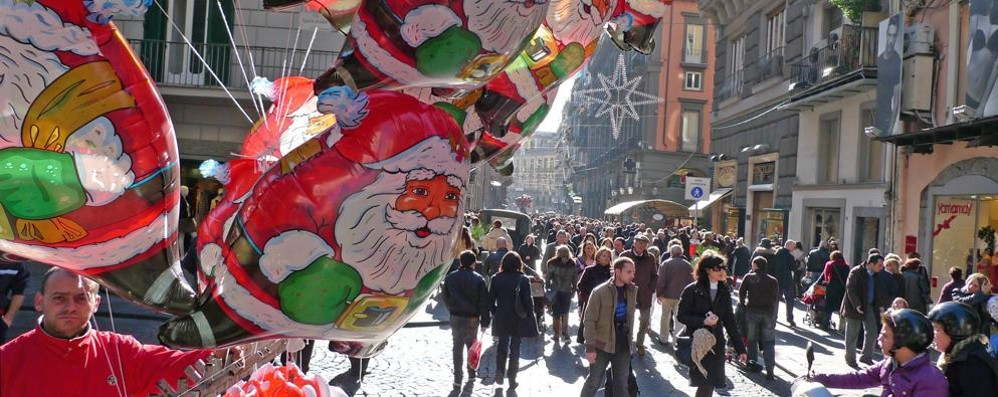 Consumi: si aspetta un Natale positivo Dieci miliardi in regali, spesa a +5%. E tu?